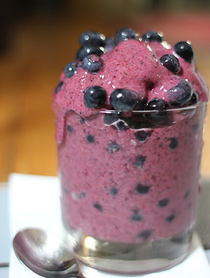 Dairy substitute Banana berry smoothie
