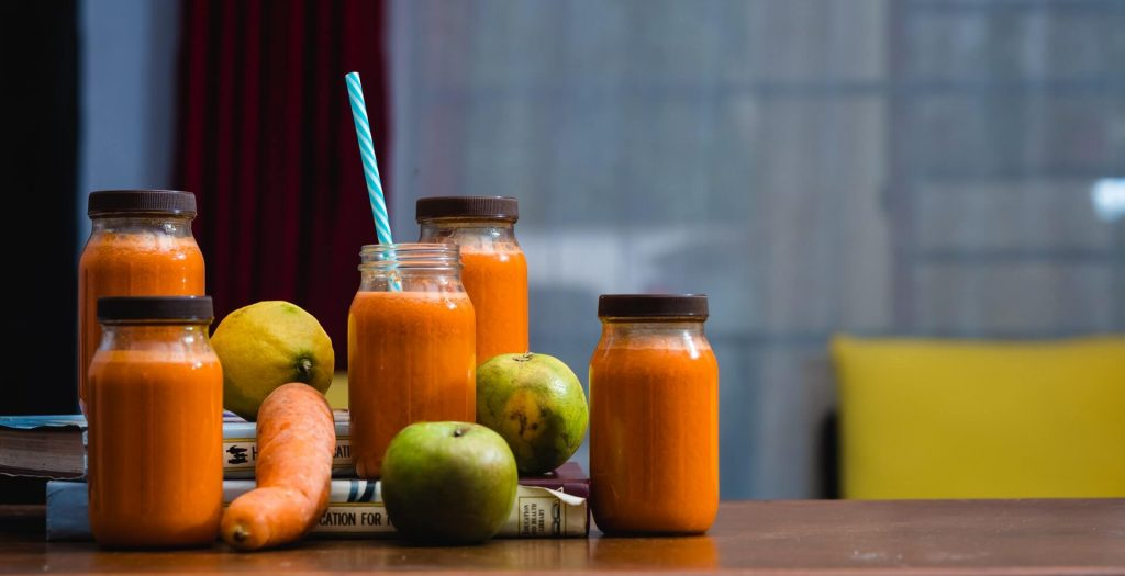 is juicing or smoothies healthier