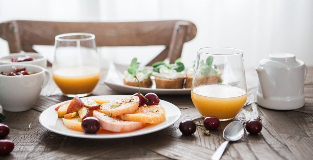 Can you replace breakfast with a smoothie?